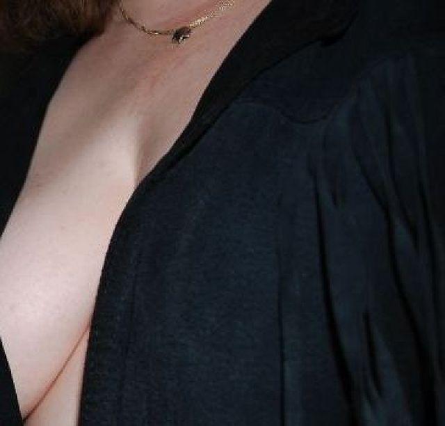 Manilow - Reife Frau, bisexuell, Mutter, sucht Seitensprung!