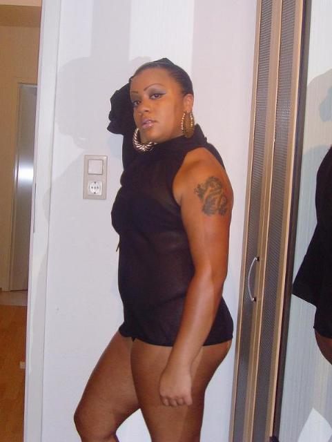Nasty33 - Frau sucht Mann :)  SO einfach...
